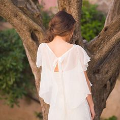 Bridal cape 100% silk  Made in France - KATE by CREATIONLACCESSOIRE on Etsy https://www.etsy.com/au/listing/203569048/bridal-cape-100-silk-made-in-france-kate