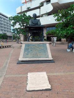 Plaza Cervantes, en homenaje a Miguel de Cervantes Saavedra.