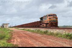 Foto RailPictures.Net: EFC 211 EFC - Estrada de Ferro Carajás GE ES58ACi no Campo de Perizes, Maranhão, Brasil por Cristiano Oliveira