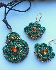 biżuteria soutache, haft koralikowy, torby z filcu: Szmaragowy komplet sutasz