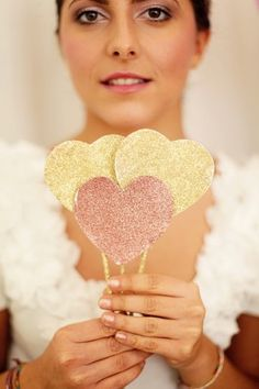 Ooh glitter hearts for photobooth props. Glitter Party, Sparkle Party, Glitter Wedding, Gold Party, Diy Wedding Deco, Wedding Pics, Our Wedding, Decor Wedding, Wedding Decorations