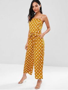 A site with wide selection of trendy fashion style women's clothing, especially swimwear in all kinds which costs at an affordable price. Trendy Fashion, Fashion Models, Fashion Show, Fashion Design, Rompers Dressy, Jumpsuit Dressy, Sweater Fashion, Fashion Stylist, Jumpsuits For Women