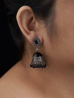 Indian Jewelry Earrings, Indian Jewelry Sets, Fancy Jewellery, Silver Jewellery Indian, Jewelry Design Earrings, Gold Earrings Designs, Ear Jewelry, Stylish Jewelry, Fashion Earrings