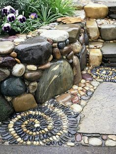 Again, I like the mosaic pattern in the river rock. Have Some Fun.the stone mosaics the homeowner added at the base of the flagstone walkway. Polished black and white stones were set in concrete in a spectacular spiral pattern. Landscape Edging Stone, Stone Garden Paths, Garden Stones, Landscape Design, Stone Path, Stone Edging, Slate Stone, Moss Garden, Pebble Stone