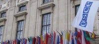 Obiettivo Lavoro Ocse: Italia bene riforme ma disoccupazione e lavoro restano la priorità  LOcse ovvero lOrganizzazione per la cooperazione e lo sviluppo economico svolge prevalentemente un ruolo di assemblea consultiva tra gli stati europei e si occupa di confrontarne le politiche economiche.  LOrganizzazione ha recentemente espresso il suo parere sulla situazione italiana evidenziando come il nostro Paese duramente colpito dalla crisi sia ora in una fase di ripresa che produce un…