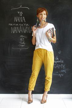 Look do dia: body chain e calça amarela