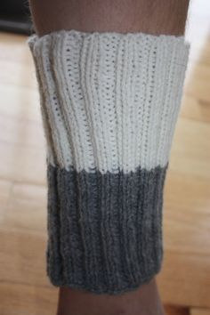 Two Color Boot Cuff--Good idea--This is also a great reminder why you should always shave before making pictures for your Etsy shop Crochet Boot Cuffs, Crochet Boots, Knit Socks, Knitting Socks, Knitting Ideas, Knit Crochet, Chair Socks, Boot Toppers, Leg Warmers