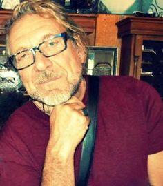 Robert Plant with his new specs :) Austin, Texas.