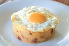 Huevo frito con patatas revolconas, Un entrante muy sabroso y divertido, con una vistosidad que lo hace mas atractivo. Muy sabroso por el aporte de sabores que le ...