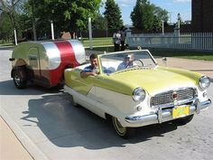 1958 Nash Metropolitan Convertible with a 1956 Benroy Teardrop Trailer in tow Retro Campers, Cool Campers, Camper Trailers, Vintage Campers, Vintage Rv, Vintage Caravans, Vintage Travel Trailers, Glamping, Teardrop Camping