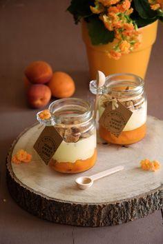 Tiramisu with apricots & speculoos Maman Pâtisse Irish Desserts, Köstliche Desserts, Dessert Aux Fruits, Dessert Dips, Dessert Recipes, Tiramisu Dessert, Chocolate Mousse Cake Filling, Kreative Desserts, Dessert Original