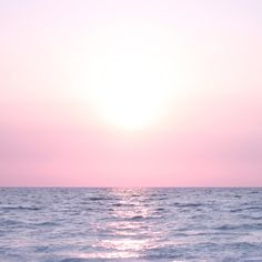 - you're not the only one - wallpaper mar, azul, lilás, horizonte Sunshine Holidays, Light Blue Perfume, Hd Backgrounds, Wallpapers, Kawaii Shop, Cute Japanese, Pink Sky, St Francis, Pink Aesthetic