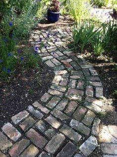 Love this Pinner's brick path! Our newly purchased forty-one year old home, which I promptly named Magnolia House, was built in The exterio. Cottage Garden Design, Cottage Garden Plants, Herbs Garden, Garden Planters, Brick Pathway, Paver Path, Old Bricks, Brick Patios, Dream Garden