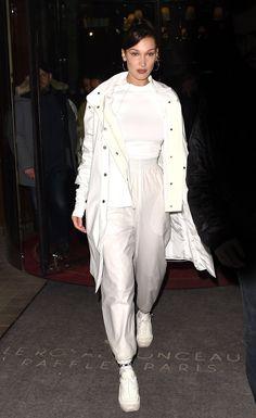 ( link) Bella Hadid Night Out in Paris Celebrity Fashion and Style Bella Gigi Hadid, Bella Hadid Outfits, Bella Hadid Style, Fashion 101, Fashion Advice, Look Fashion, Fashion Outfits, Fashion Design, Street Fashion