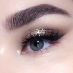 Everyday Golden Smoky Eye Makeup - Care - Skin care , beauty ideas and skin care tips Korean Eye Makeup, Smoky Eye Makeup, Smokey Eye Makeup Tutorial, Makeup Eye Looks, Eye Makeup Art, Nude Makeup, Makeup Tips, Beauty Makeup, Party Eye Makeup