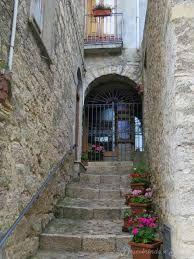 Resultado de imagem para casa medieval italiana