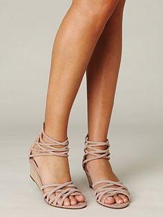 Casual summer sandal.