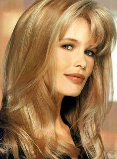 Claudia Schiffer pictures and photos Claudia Schiffer, 90s Models, Female Models, Fashion Shoot, Fashion Beauty, Fashion Fashion, Editorial Fashion, Versace, Sexy Women