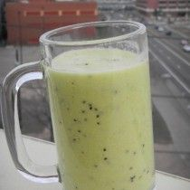 Pineapple Kiwi Banana Smoothie Recipe