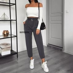 40 Fabulous Fall Fashion Trends Clothing For Women; Fall outfits New fall outfits casual outfit; Fall Outfits 2018, Mode Outfits, Spring Outfits, Fashion Outfits, Fashion Clothes, Fashion Mode, Look Fashion, Fashion 2018, 90s Fashion