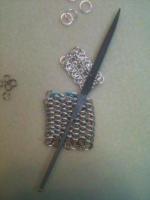Lots of good information about chainmaille, including 178 weave images with links to tutorials.