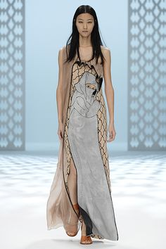Hussein Chalayan Spring 2015 Look 48