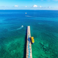 ANOTHER BEAUTIFUL DAY IN PARADISE! 〰〰〰 Where are you traveling to in 2017? Leave a comment with your upcoming plans. 〰〰〰 📷 Camera: DJI P4 ⬅️ 📷 Location: Constituyentes Pier -- Playa del Carmen, MX 〰〰〰 #playadelcarmen #mexigers #mexico_great_shots #ig_mexico #mexicodesconocido #mexicomaravilloso #mexico #rivieramaya #playadelcarmen_bestshots #igers_mexico #drones #aerialphotography #dronestagram #dronefly #droneporn #fromwhereidrone