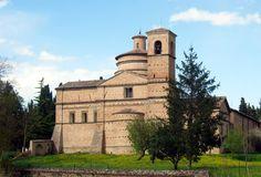 Urbino, chiesa di San Bernardino, opera di Francesco di Giorgio Martini coadiuvato nella costruzione dal giovane Donato Bramante, 1482-91.