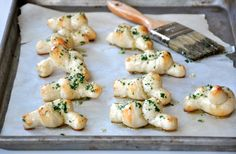 Easy Homemade Garlic Knots