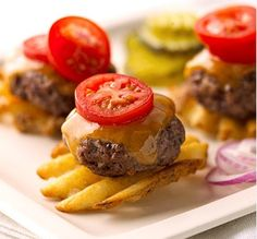 I love this cute appetizer idea! A mini burger patty on a waffle fry!