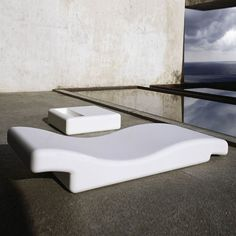 Gandia Blasco Tumbona 356 Modern Outdoor Chaise Lounge Chair | Stardust