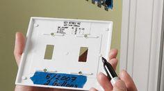 Pintar el interior del interruptor de la luz Cubiertas para simplificar la compra de más de ese color en el futuro