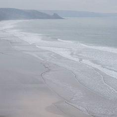 Newgale Sands Pembrokeshire. #ukcoastwalk Photo: Quintin Lake www.theperimeter.uk