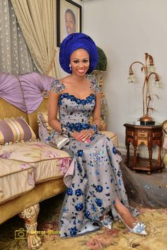 Planning your Nigerian wedding? Here are 18 pretty perfect traditional nigerian brides to inspire you. African Dresses For Women, African Attire, African Wear, African Fashion Dresses, African Women, Nigerian Outfits, Nigerian Dress, Nigerian Bride, Nigerian Traditional Wedding