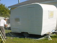 painting tips for a camper. now I find this, but may paint again later Gail Oakley camping wishes Shasta Trailer, Shasta Camper, Camper Trailers, Trailer Diy, Old Campers, Retro Campers, Vintage Campers, Retro Caravan, Vintage Rv