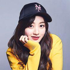 190923 TWICE Jihyo 'Feel Special' comeback showcase (press photos) Kpop Girl Groups, Korean Girl Groups, Kpop Girls, Nayeon, Twice Wallpaper, Twice Songs, Twice Photoshoot, Twice Fanart, Jihyo Twice