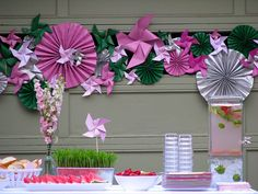 ok, normally i think over the top decorations for kids parties are a little nutty. but these pinwheels are so cool! i love.