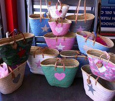 Capazos colores. Personaliza tu cesta, puedes hacerla tú misma, pero usa una buena pintura!!! Te aconsejamos!