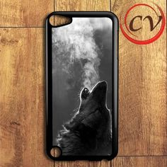 Black Wolf Howling iPod 5 Case