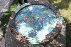 mosaic fish pond with water escaping Mosaic Crafts, Mosaic Projects, Mosaic Art, Mosaic Glass, Stained Glass, Mosaic Ideas, Mosaic Birdbath, Mosaic Garden, Broken Mirror Diy