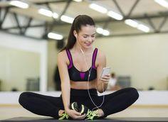 Conheça os aplicativos que irão te ajudar a fazer exercícios sem sair de casa. Com o auxílio da tecnologia você terá um personal trainer para treinar.