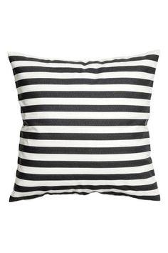 Чехол для диванной подушки из хлопковой ткани в набивную полоску. Потайная молния.