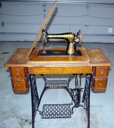 Antique Singer Sewing Machine 1913 Cabinet Style No 66 1