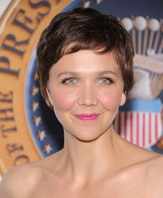 Maggie Gyllenhaal's hair makes me so bloody tempted to go all the way for a pixie chop...