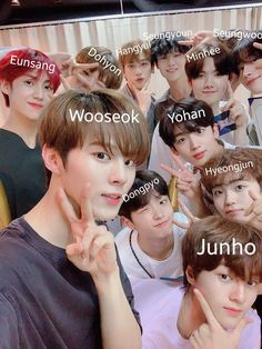 My Moon And Stars, Love K, Kpop Boy, Kpop Groups, Jimin, Idol, Wattpad, Memes, Boys