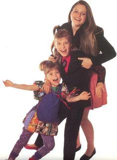 Awww if only. the Olsens would come back for Fuller house☹️ Full House Memes, Full House Funny, Full House Cast, Full House Tv Show, Stephanie Tanner, Dj Tanner, Uncle Jesse, The Office Show, John Stamos
