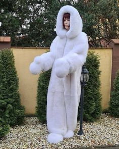 Female Mask, Fur Clothing, Fox Fur Coat, Snow Queen, Snow Suit, Mascot Costumes, Fur Fashion, Girly Outfits, Cool Suits