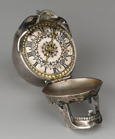 Inside view of the 1600's skull watch.