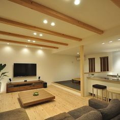 False Ceiling With Wood Home false ceiling corridor hallways.False Ceiling Bedroom Built Ins false ceiling innovative. Japanese Home Design, Japanese Interior, Japanese House, Diy Interior, Apartment Interior, Home Interior Design, False Ceiling Living Room, Living Room Lighting, Japanese Living Rooms