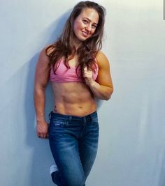 Jeans for athletes Bodybuilder, Jeans, Crossfit, Fit Women, Fitness, Crop Tops, Bra, Female, Athletes